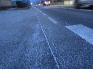 ballabio-ghiaccio-strada