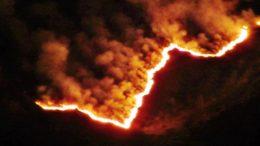 incendio-notte-erika