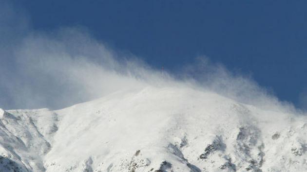 Bollettino montagna sicura pericolo valanghe marcato for Piani mensili in montagna