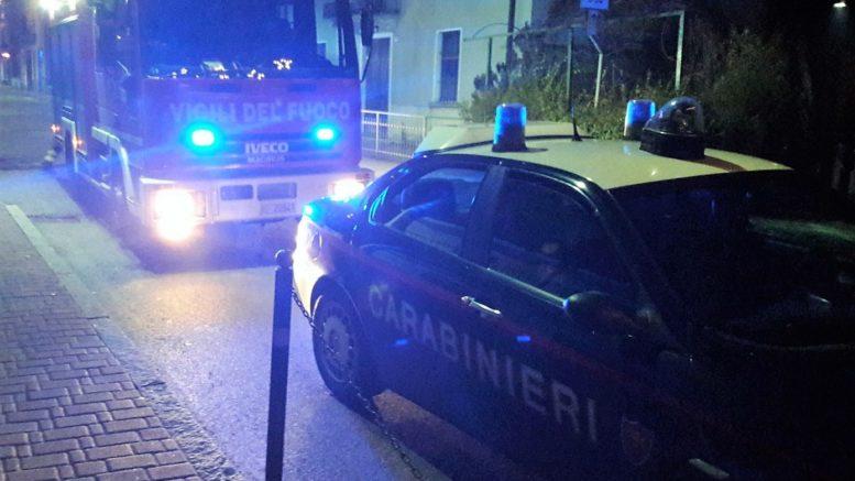 ballabio-barricato-via-mazzini-carabinieri-pompieri-2