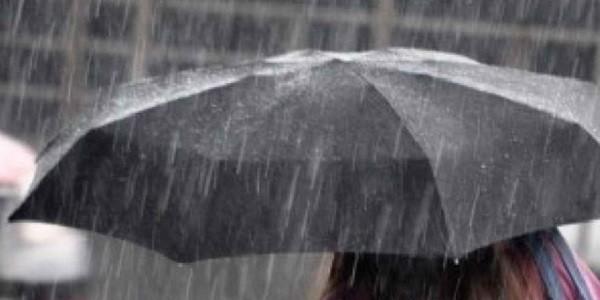 maltempo-pioggia-temporale-ombrello