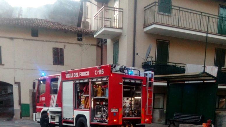 pompieri-piazza-san-lorenzo-autobotte