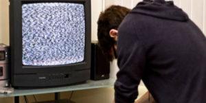 tv-televisore NON SI VEDE