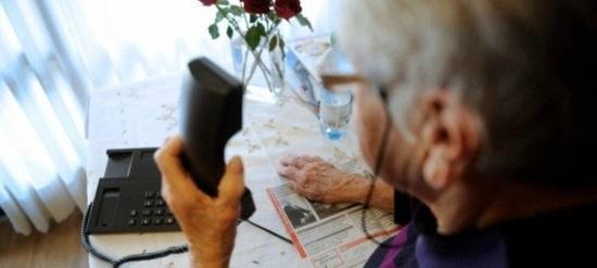 anziana-al-telefono-truffe1