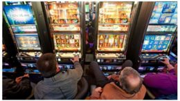 GAMBLING SLOTS MACHINES