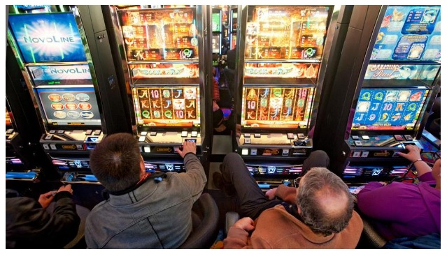 GAMBLING SLOTS MACHINES