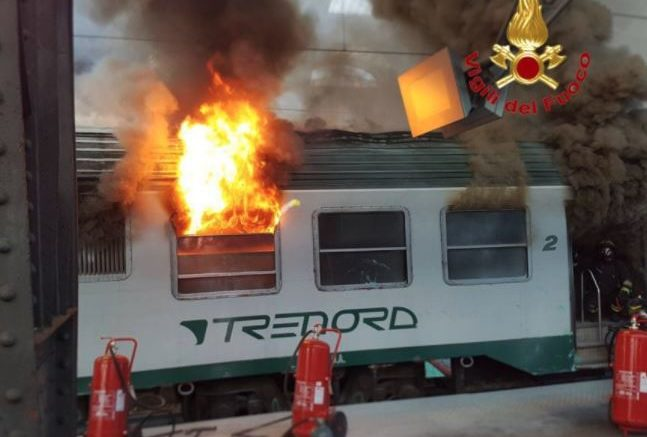 incendio-treno-milano-centrale-1