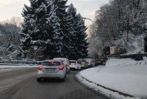 lecco-ballabio laorca coda colonna traffico neve (3)