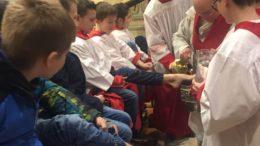 Messa dell'ultima cena e lavanda dei piedi Ballabio (11)