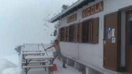 artavaggio-silviu-neve-in-costume