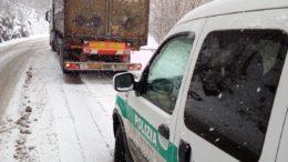 camion-tir-balisio-polizia-provinciale-1