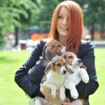 brambilla-con-cuccioli-beagle-681x1024
