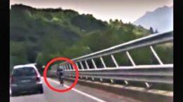 ciclista sulla 36 VIDEO
