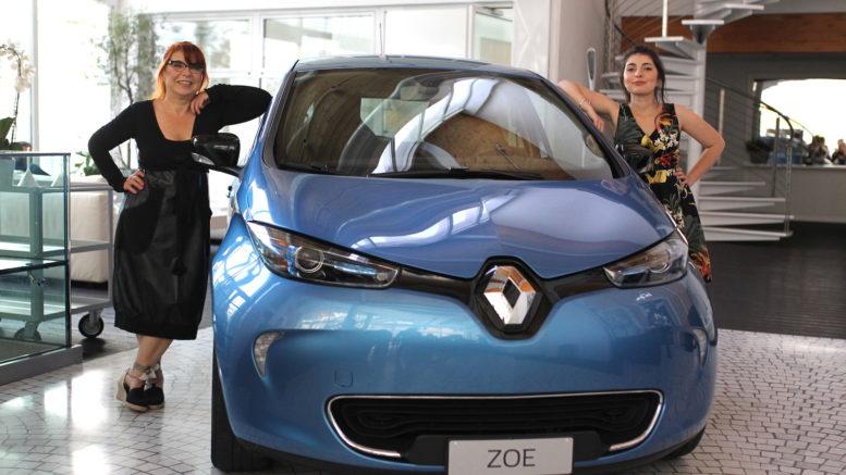 in-viaggio-con-mia-figlia-zoe-renault-roversi-syusy-blady-turisti-per-caso-motori-elettrici-auto-elettrica-
