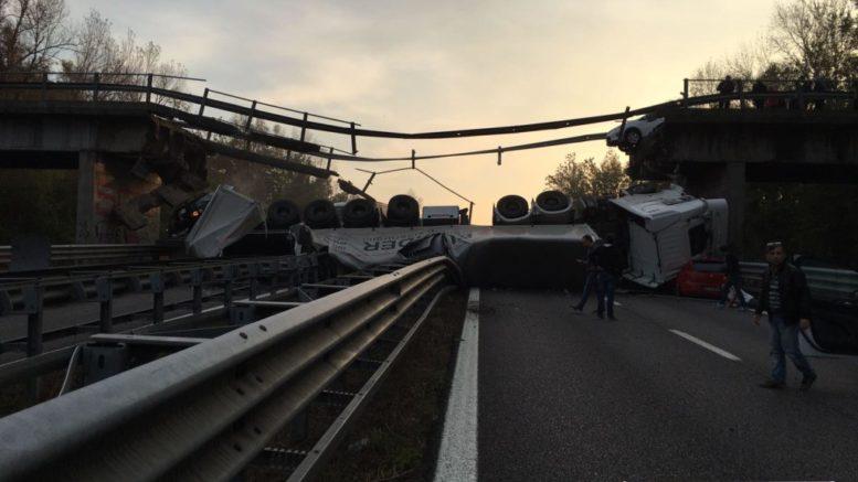 camion-ponte-annone-crollato-2-1024x768