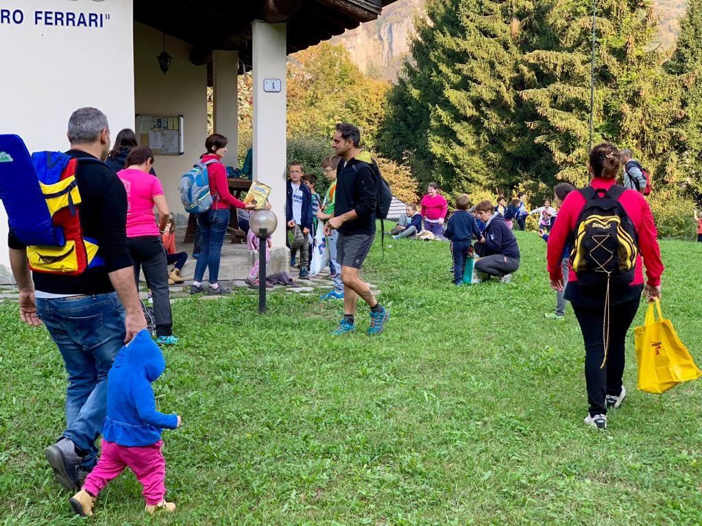 Raccolta castagne Gasch oratorio domenicale 14 ottobre 2018 (19)