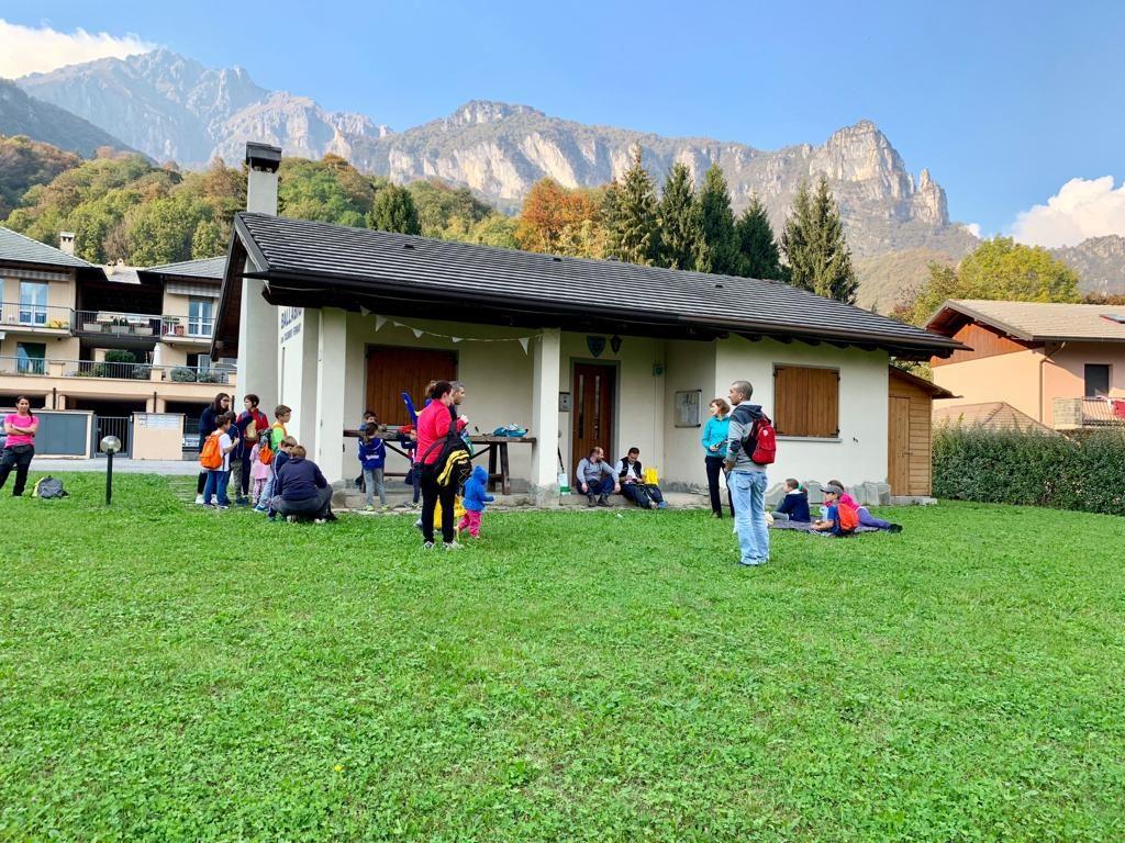 Raccolta castagne Gasch oratorio domenicale 14 ottobre 2018 (21)
