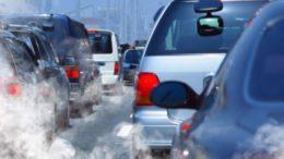 inquinamento_aria_coda traffico auto fumo smog copyright da greenme.it