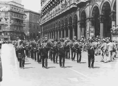 La Banda Risveglio sfila per le vie di Milano 19 giugno 1977