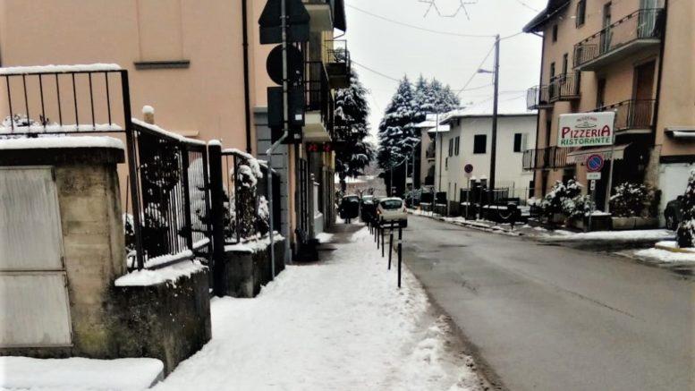 NEVE marciapiede di Via Mazzini