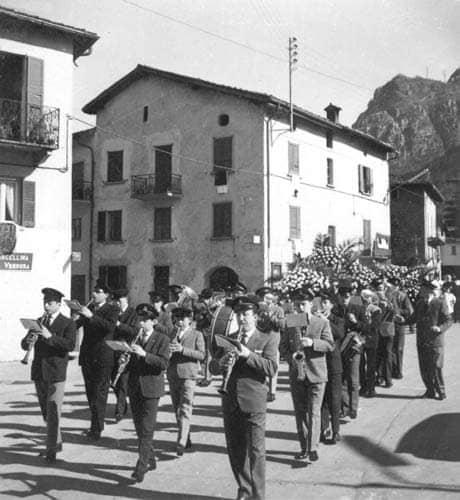 Banda Risveglio funerali don Giuseppe Calvi