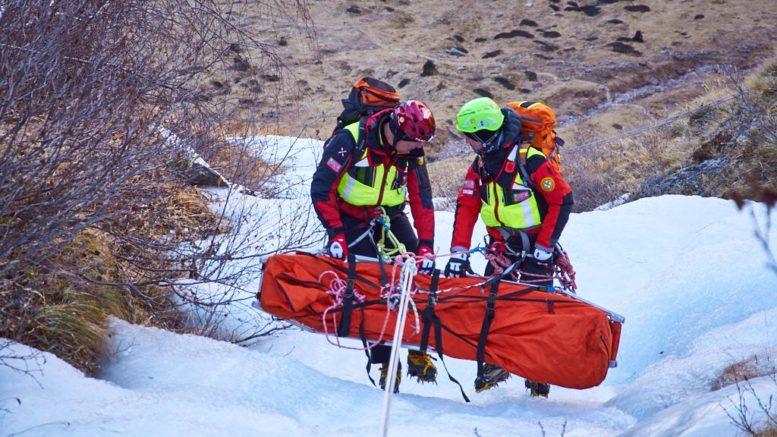 cnsas-ghiaccio soccorso alpino e speleologico