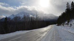 ghiaccio strada ghiacciata neve guida sicura