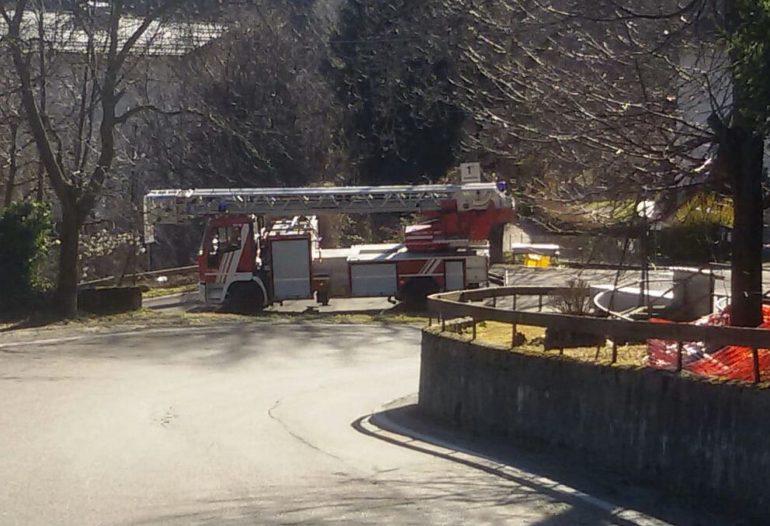 vigili del fuoco pompieri primo tornante resinelli ballabio autoscala