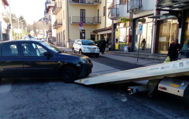 incidente ballabio via mazzini davanti alle poste carroattrezzi