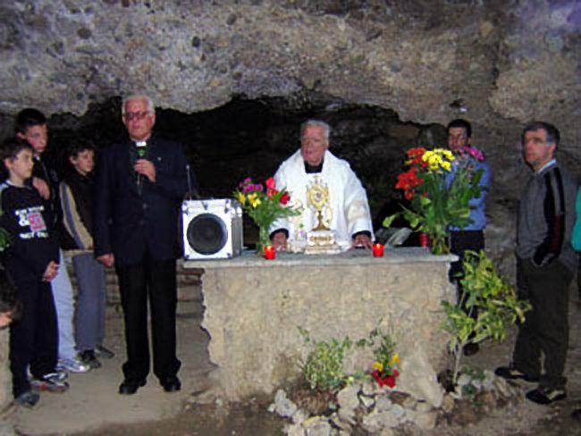 1_maggio_grotta2.v1