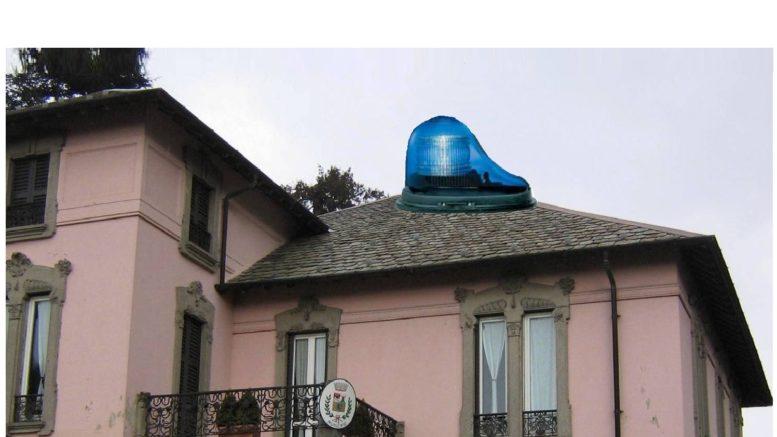 municipio ballabio con lampeggiante sopra