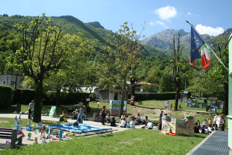 Festa Pianeta bimbi - particolare del parco con la mostra.resized