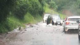 nubifragio strada provinciale sp62 fra ballabio e pasturo dopo balisio allagata torrenti piovani