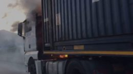 Camion-fiamme-SS36-Terzo-Ponte-Esselunga-1