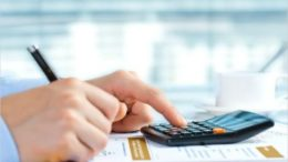 calcolatrice-economia-tasse-dati