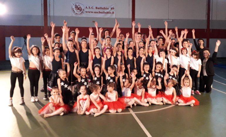 Spettacolo danza Natale 2019 ASC Ballabio (42)