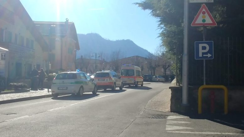 caduta strada via mazzini ballabio ambulanza vigili