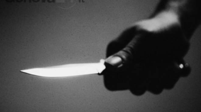rapina con coltello mano di nero
