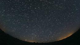 800px-Starlink_Overpass_Composite_(47943839008)