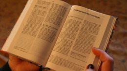 bible-3520556_960_720