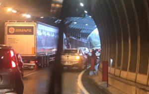 incidente attraversamento lecco rampa ponte (1)