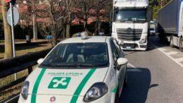 Ballabio incidente camion pick-up - polizia locale (1)