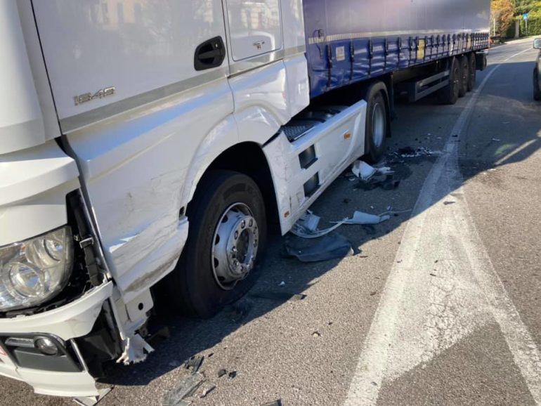 Ballabio incidente camion pick-up - polizia locale (3)