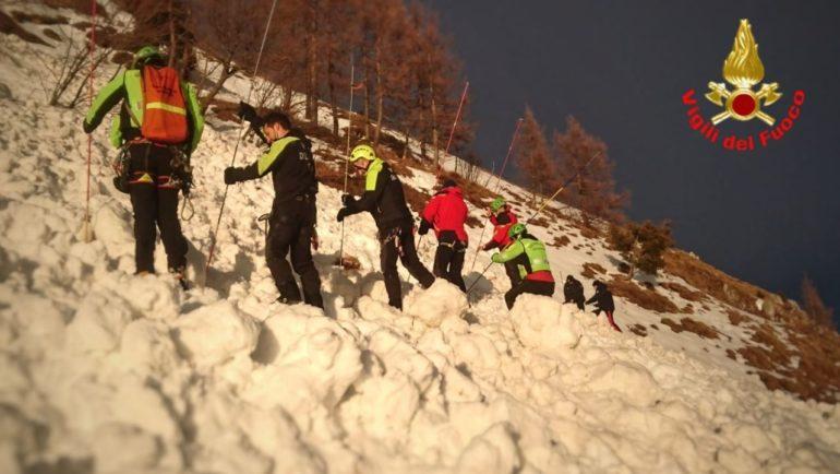 Valanga grignetta 1feb21 Vigili del fuoco Pompieri Saf Cnsas Soccorso alpino (1)