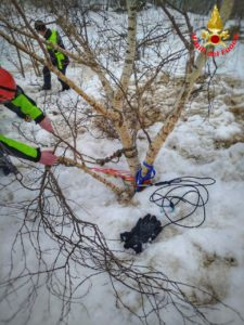 Vigili del fuoco Saf Pompieri esercitazione Resinelli Neve Ghiaccio (1)